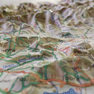 Mapa topografico con carreteras