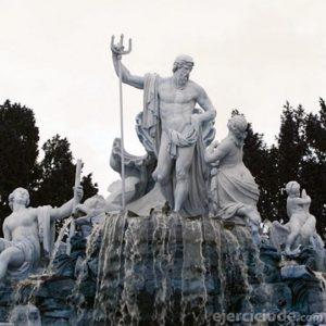 Estatua del Dios de mar