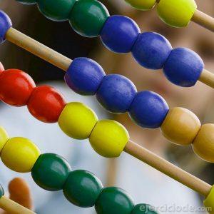 ábaco de madera y de colores