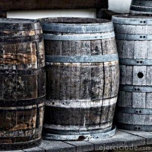 Barriles usado para fermentar las bebidas