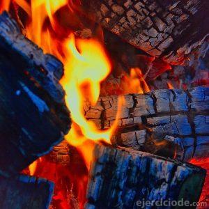Llama que arde y alumbra