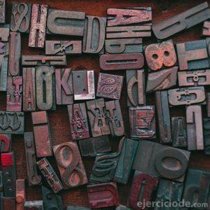 Tipografías de diferentes tamaños y estilos